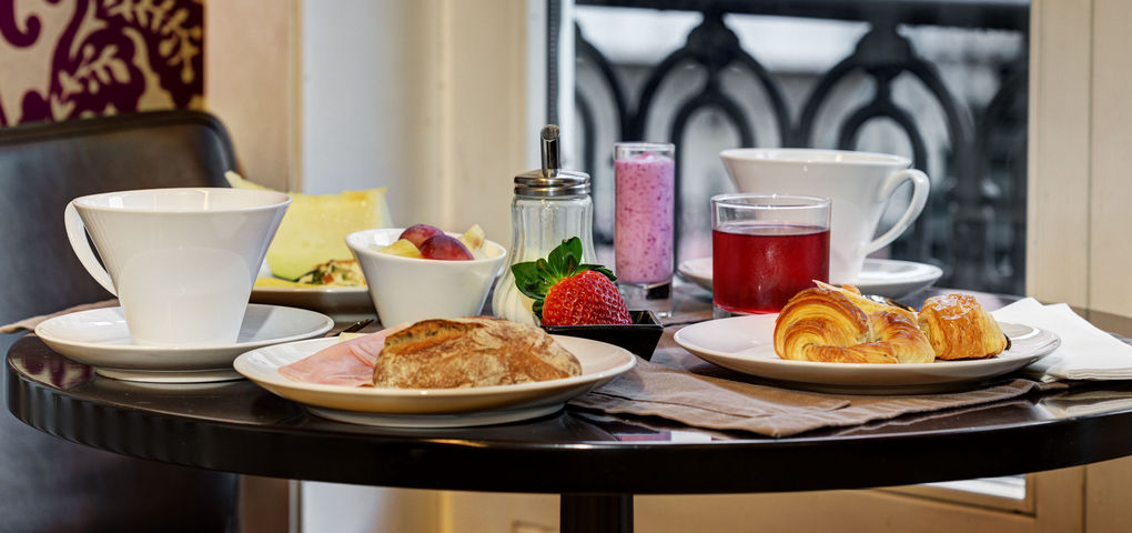 LX Boutique Hotel Lisbon breakfast